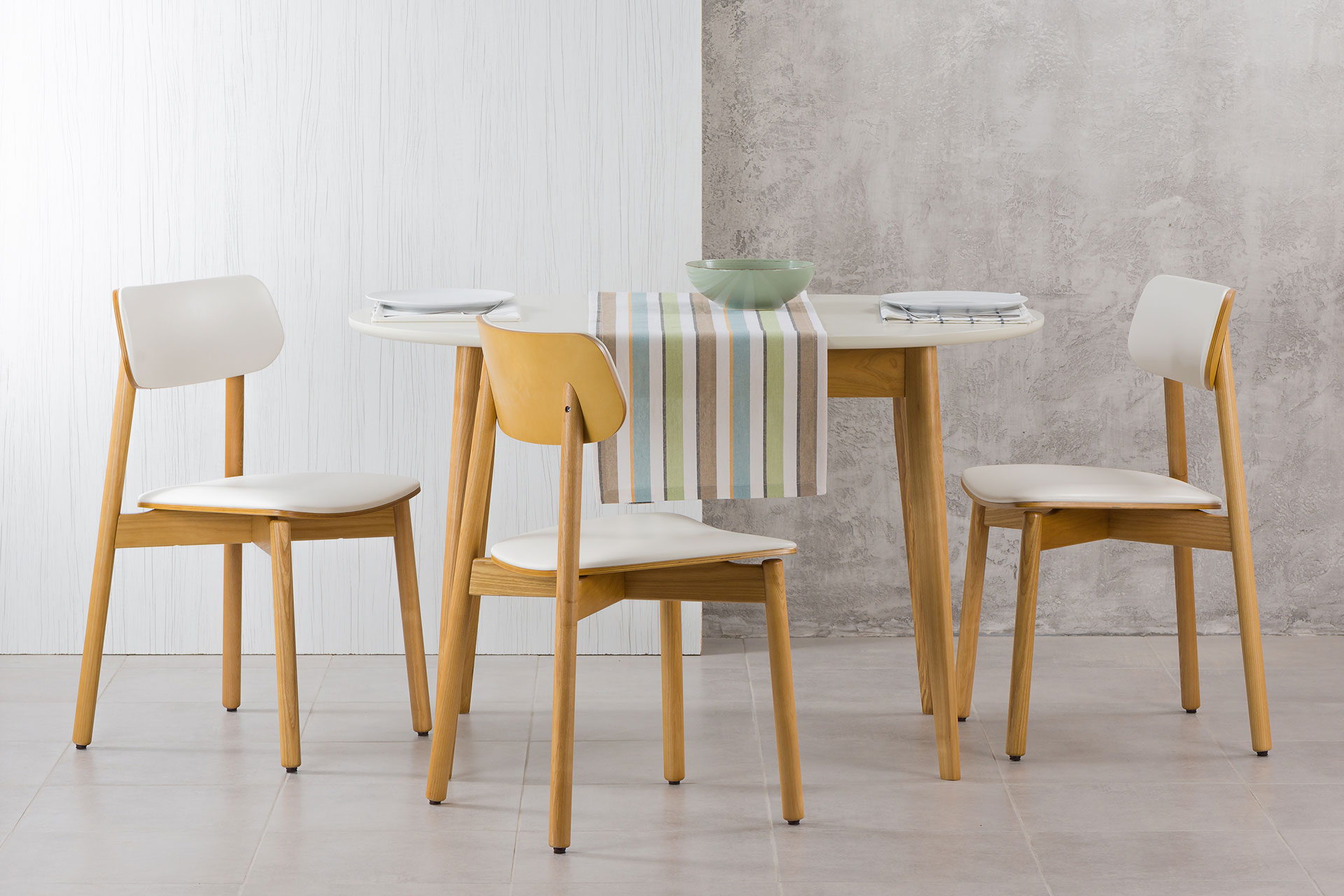Кухонный комплект: стол Турин-овал (белый) обновленный + 4 стула Х