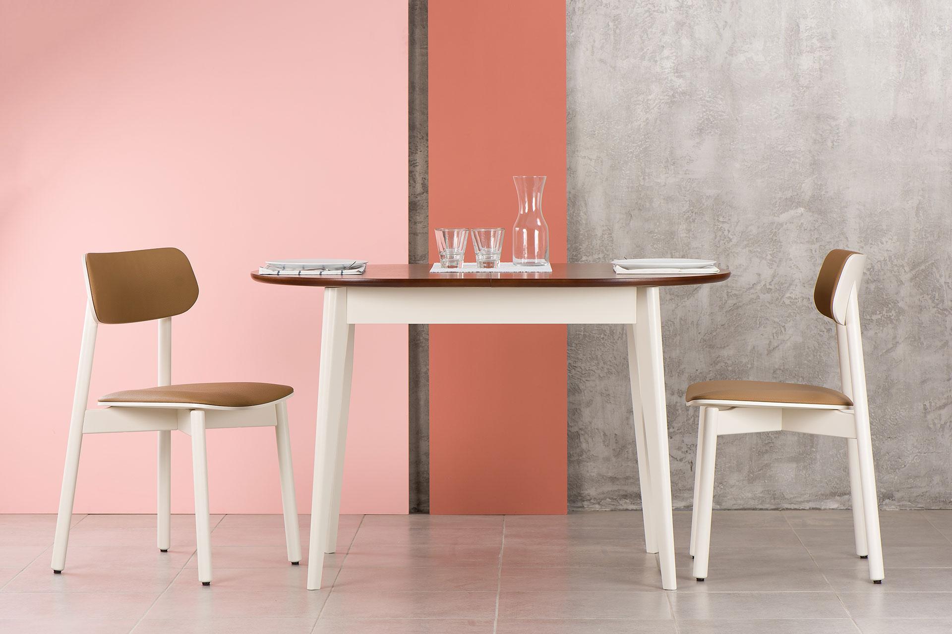 Кухонный комплект: овальный стол Турин два стула Х белые с коричневой столешницей