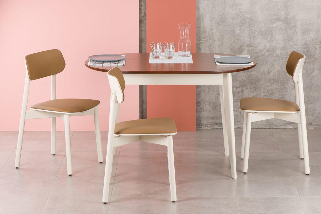Кухонный комплект: круглый стол Турин белый с коричневой столешницей и стулья Х белые с коричневой сидушкой и спинкой