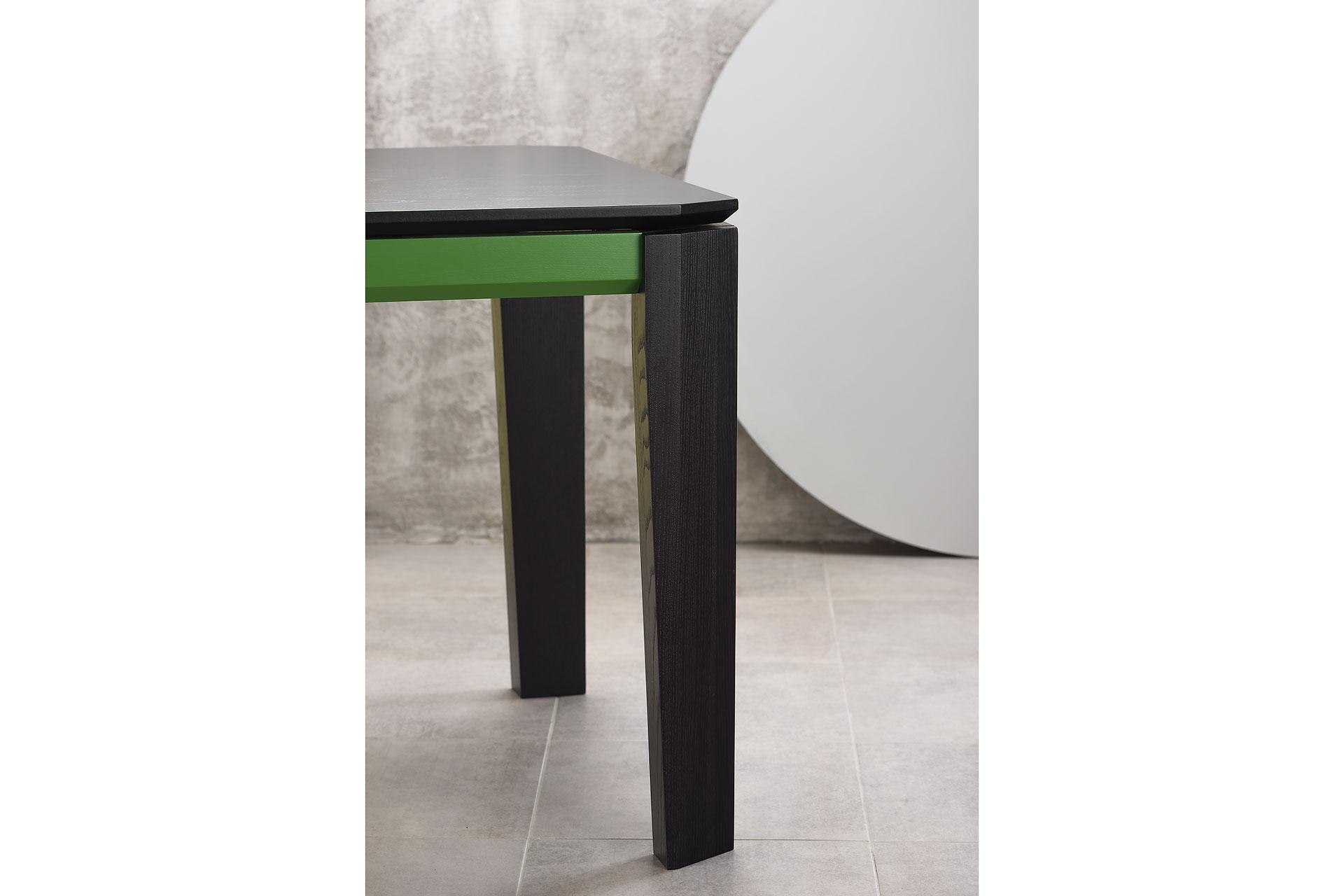 """Угол кухонного стола """"Варгас"""" черно-зеленый (столешница шпонированная) с твердого дерева"""