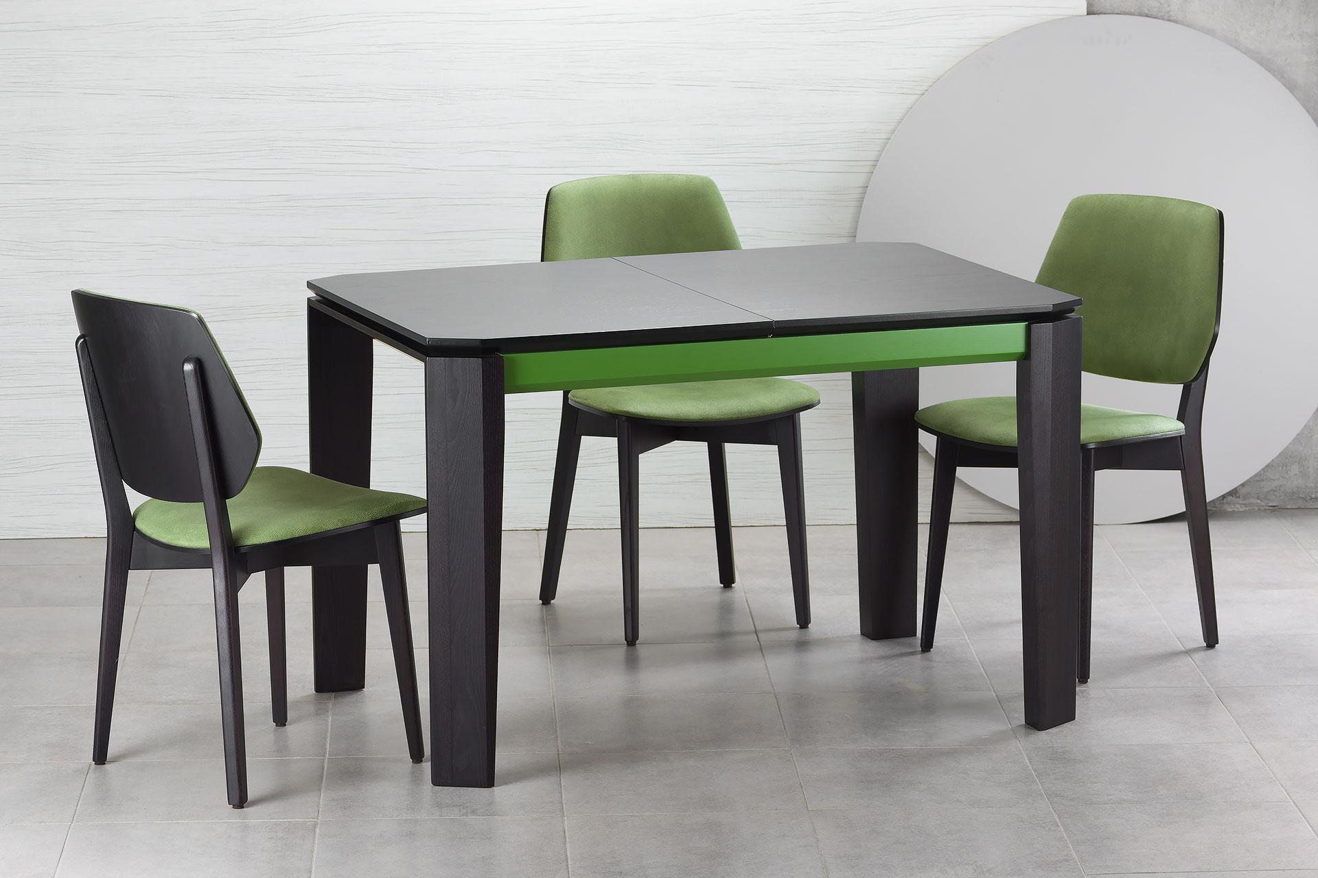 """Раскладной кухонный стол """"Варгас"""" черно-зеленый (столешница шпонированная) с твердого дерева и стул 03В, черный каркас с зеленой мягкой спинкой и сиденьем со штучной замши Exim Mustang Light Green (на сером фоне)"""