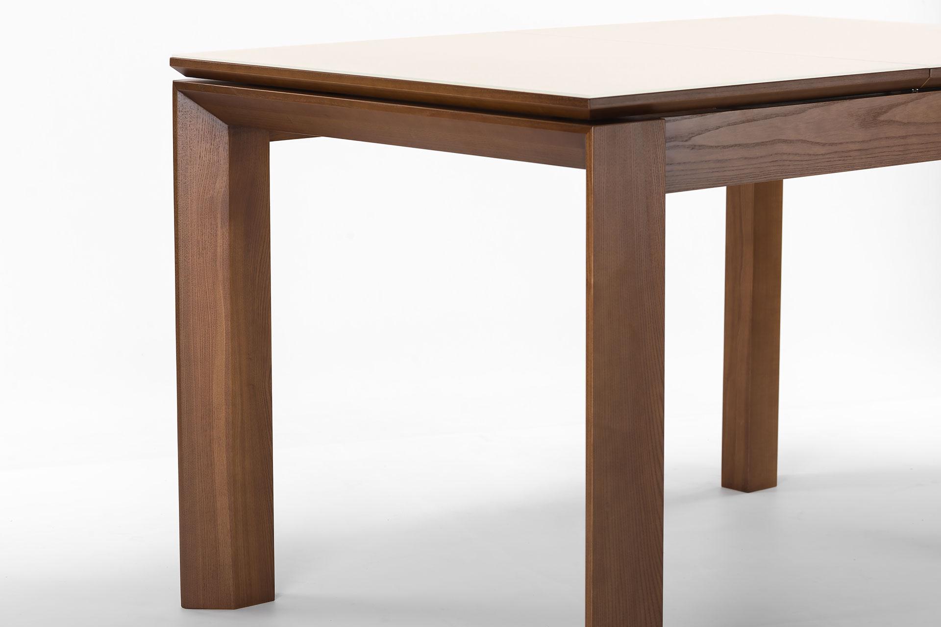 """Раскладной кухонный стол """"Милан-люкс"""", цвет SE7031, столешница с матовым стеклом. Торец стола"""