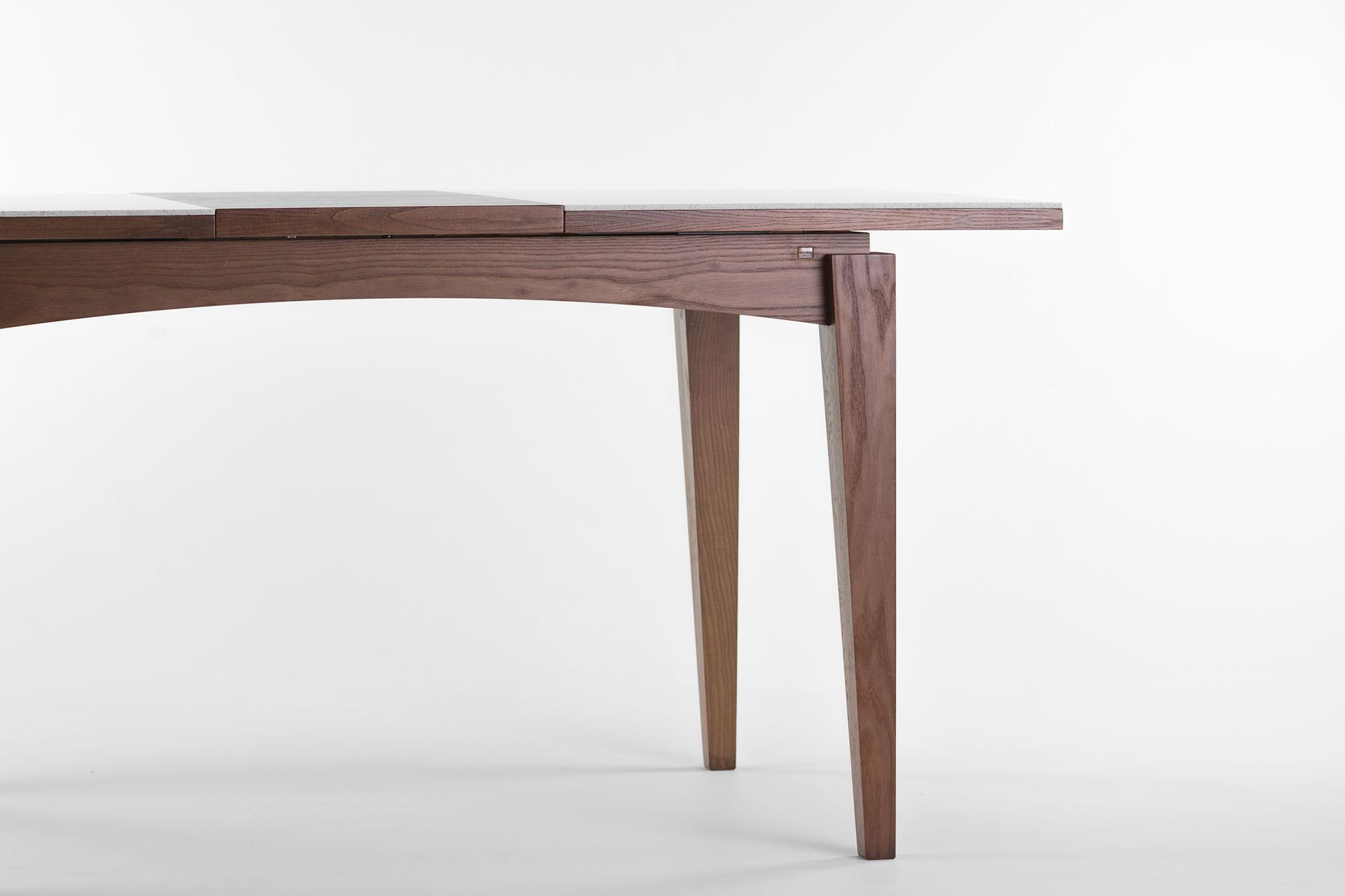 """Раскладной кухонный стол """"Бруклин"""" ножки из твёрдого дерева, тонированы SE-7034"""
